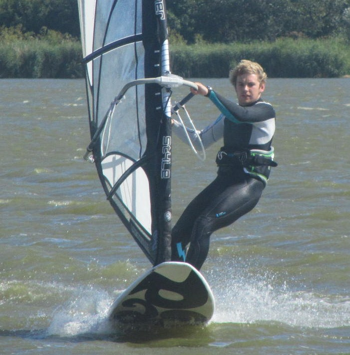 intermediate windsurf stance